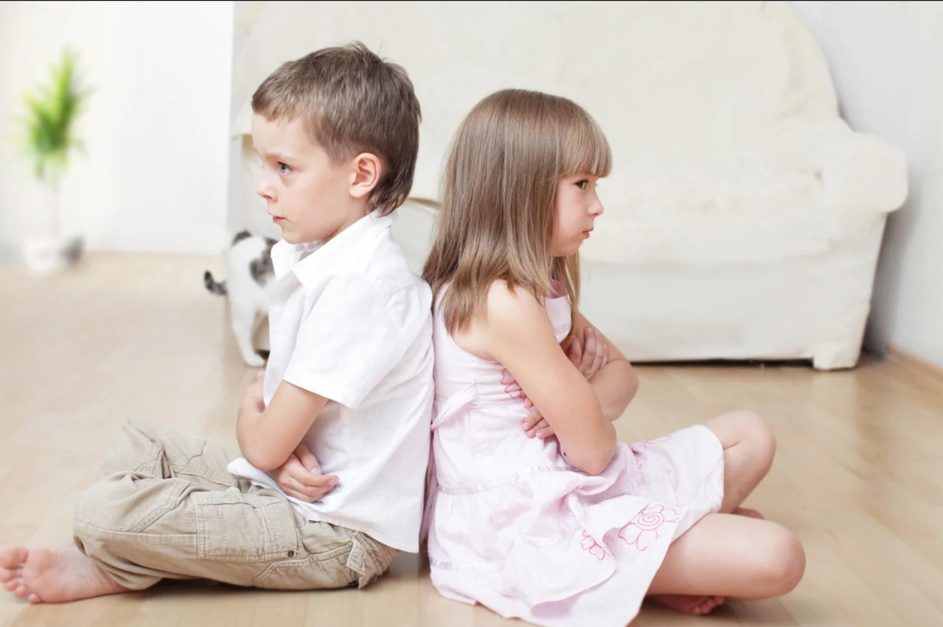 Çocuklarınız arasındaki Kardeş Kıskançlığı Stresi için Tavsiyeler
