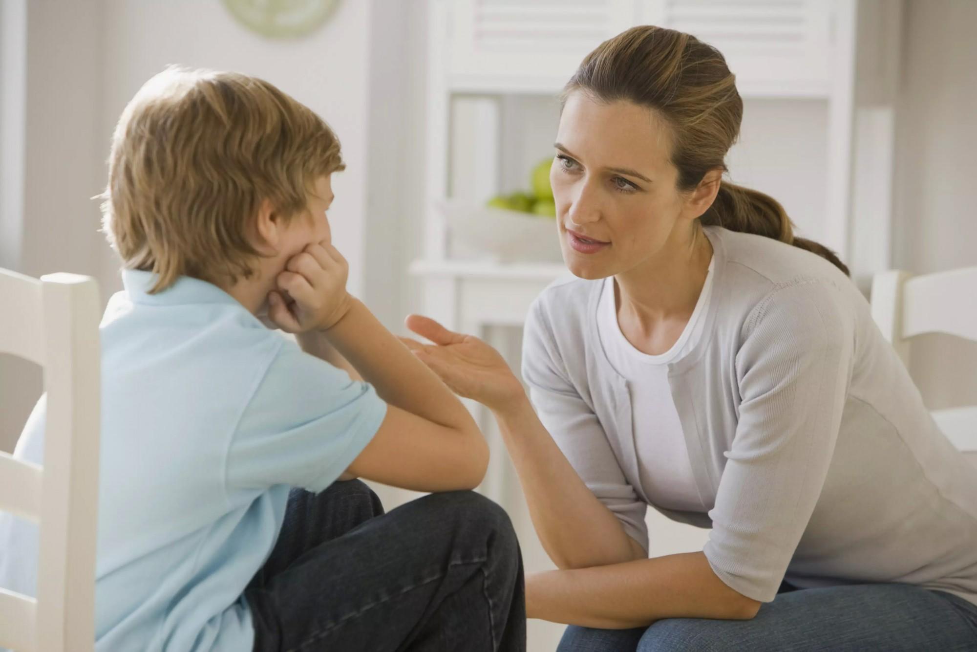 Ebeveynler, Gençleri Yalan Söylediğinde Ne Yapmalı?